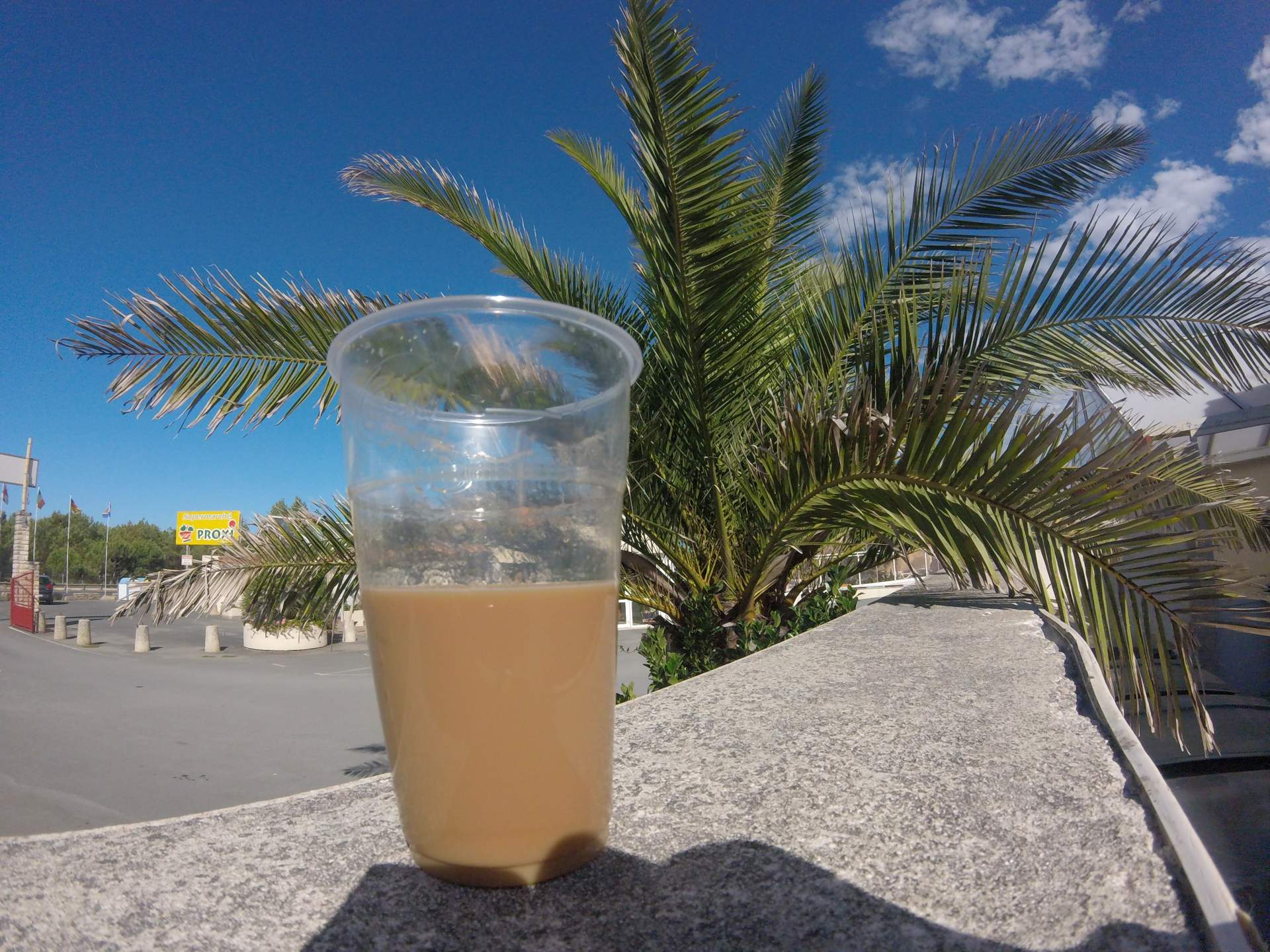 Kaffee Plastikbecher